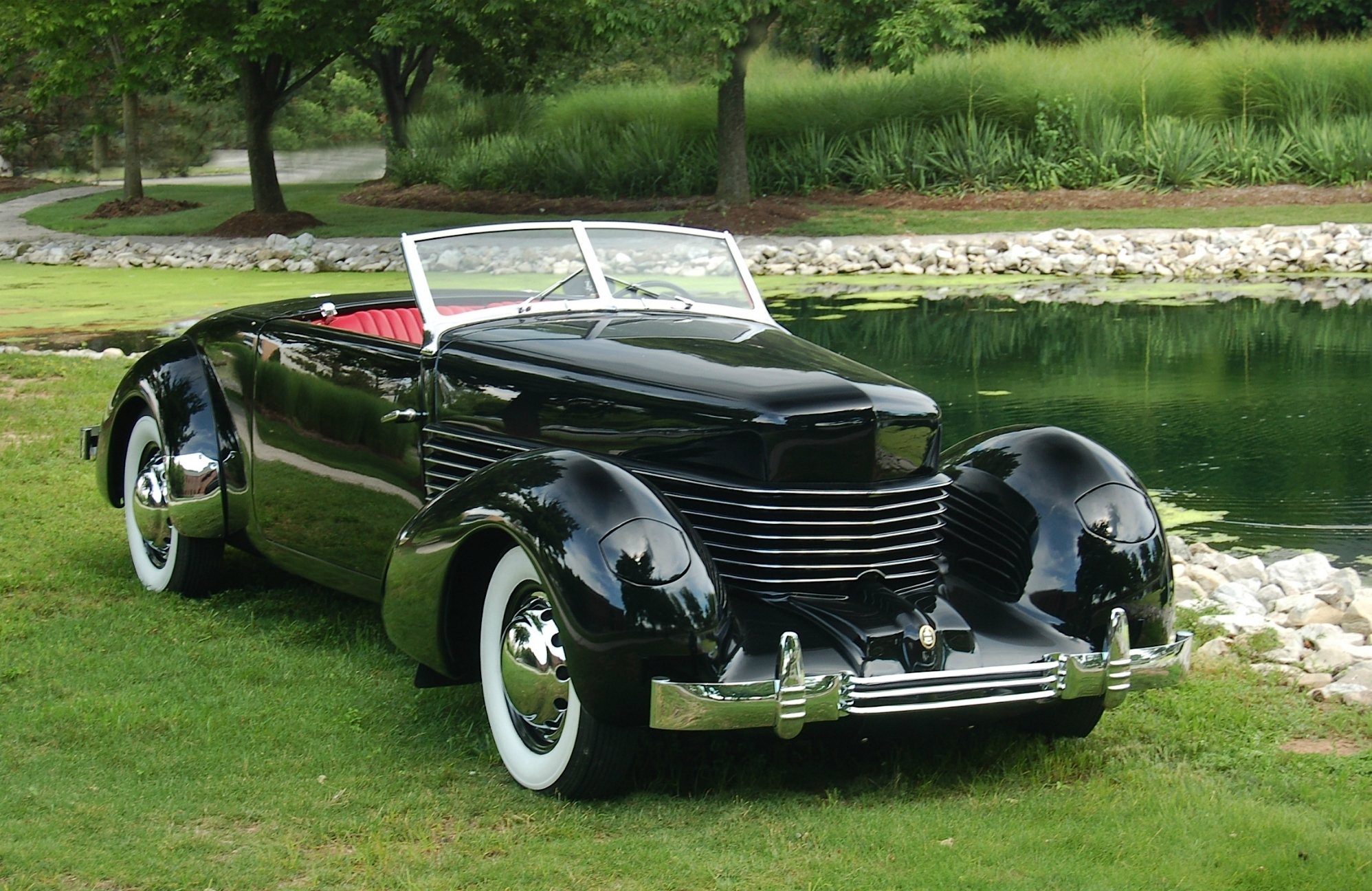 cord-810-convertible-coupe