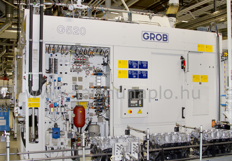 Grob G520 modular machining center