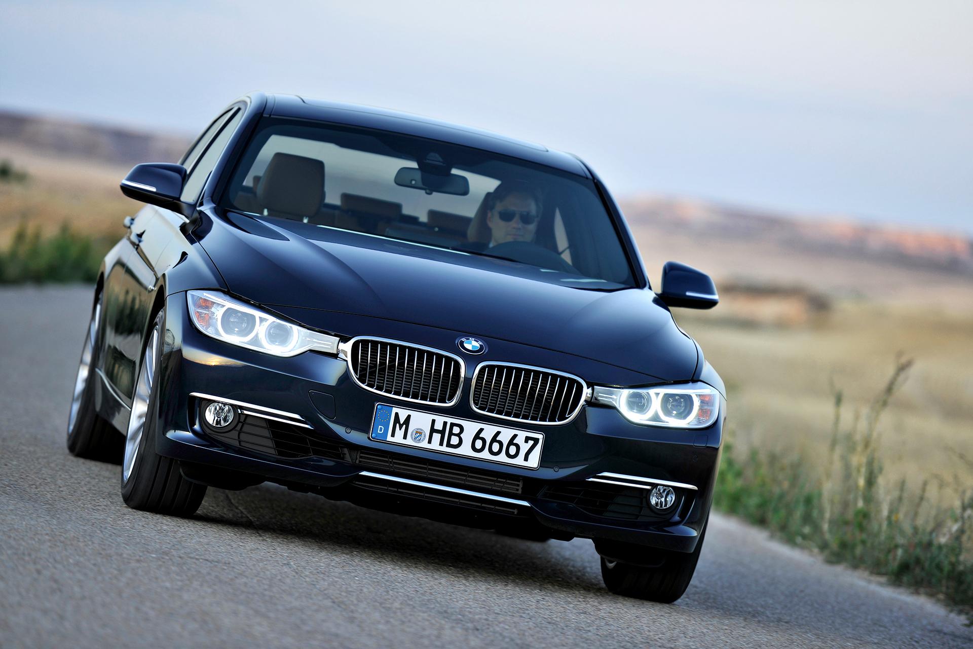 BMW 3 - BMW-F30-Sedan-2013-3-er