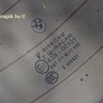 Sisecam hátsó szélvédő. Török cég, 1934-ben jött létre a Török Nemzeti Bank pénzéből, Atatürk támogatásával. Ma a Pasabahce Cam San ve Tic A.S Paşabahçe Glass Industry and Trade Inc. leányvállalata.