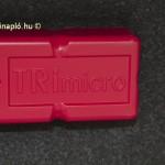 TRImicro elakadásjelző-háromszög. A márkanév a GEBRA GmbH & Co. Sicherheitsprodukte KG tulajdona, melynek központja Hennefben, Németországban működik. Fő profiljuk a prizmagyártás, az USA-ban és Kínában is van gyáregységük. Mercedesnek is beszállít.