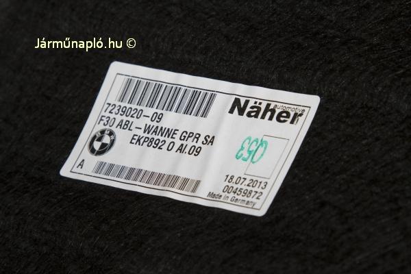 Näher belső kárpit a csomagtartóban. Markgröningeni cég, Intier Automotive Näher néven futottak, 2012-ben a Magna felvásárolta a vállalatot, honlapjuk sem maradt.