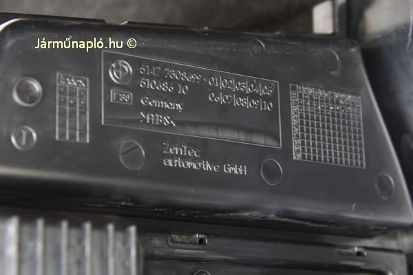 ZenTec Automotive Gmbh belső, akkumáltortakaró kárpit a csomagtartóban. A vállalkozás Hans-Albert Zender nevéhez fűződik, aki 1969-ben kezdett szpoilerek gyártásába geilenkircheni garázsában.