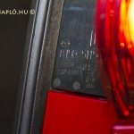 Koito hátsólámpa - A cég Koito Genrokuro Shoten néven alakult 1915-ben. Fényszórókat, lámpákat, izzókat, fényhidakat gyártanak.